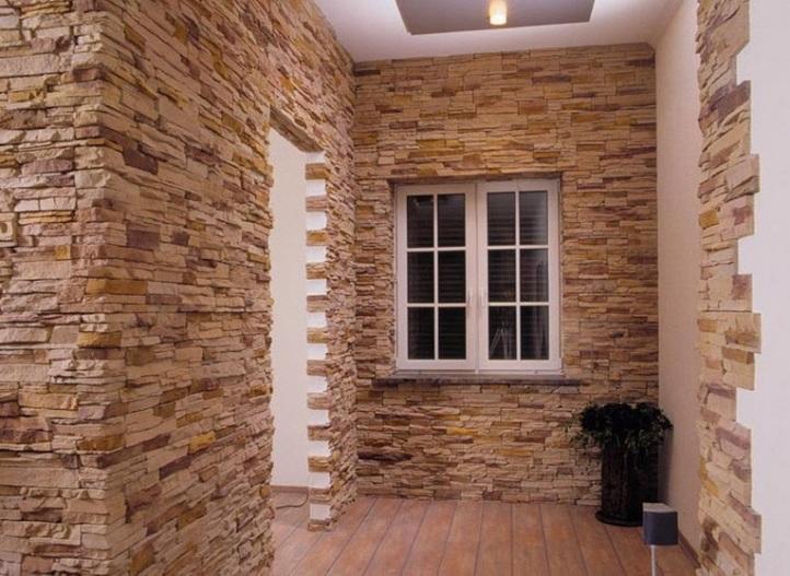Entreehal in steen en spiegel technologie van decoratie van de